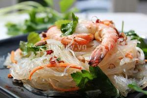 Miến trộn chua cay kiểu Thái